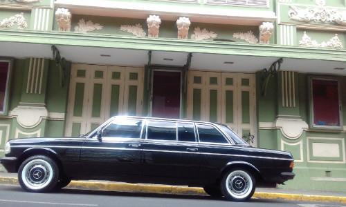 THE-FAMOUS-Teatro-Variedades-COSTA-RICA-LIMOUSINE-MERCEDES-LWB-LANGf95206034534c0f5.jpg