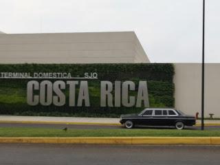 Terminal-Domestica-SJO.-COSTA-RICA-MERCEDES-300D-LIMOUSINE-AIRPORT-SERVICE929f8b5040a73bfe.jpg