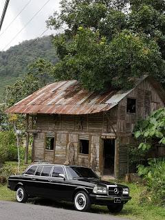 WOOD-HOUSE.-CARTAGO-COSTA-RICA-MERCEDES-LIMOUSINE-RIDESe8c2171736408573.jpg