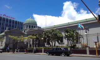 The-Metropolitan-Cathedral-of-San-Jose.-COSTA-RIXA-W123-MERCEDES-LIMOUSINE-SERVICE-FOR-WEDDINGS379c8a15a59fda11.jpg